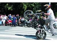 """Motocicliștii au """"cotropit"""" Rădăuțiul"""