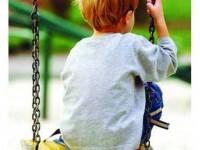 Dorul, povara copiilor cu părinții plecați la muncă în străinătate