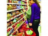 Scumpirea alimentelor golește magazinele de cumpărători