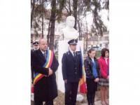 Bustul lui Iancu Flondor, în parcul central din Rădăuți