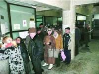 Lucrătorii Primăriei Suceava renunță la greva generală
