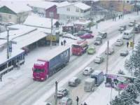 Iarna continuă să dea mari bătăi de cap conducătorilor auto