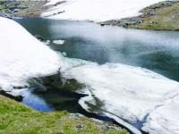 Pod de gheață dinamitat și la Rusca