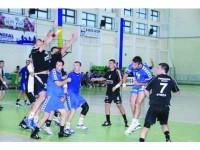CS Universitatea, locul trei în turneul de la Cluj și câștigătoare a turneului de la Turda