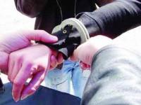 Patru haidamaci tâlhăresc în miezul zilei o persoană fără apărare, cu dizabilități
