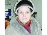 O femeie de serviciu de 62 de ani duce, de 2 ani, o adevărată luptă pentru dreptul său la muncă