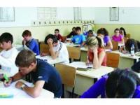 Elevii reintră în clase