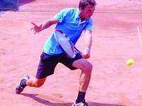 """Alex Marasin, tenismenul sucevean care face performanță pe """"stomacul gol"""""""
