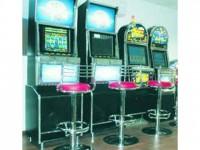 Aparate și programe de mii de euro, săltate de polițiști din sălile de jocuri de noroc din Suceava
