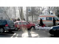 Tânără șoferiță, victimă a experienței precare la volan