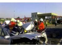 Trei oameni și-au pierdut viața și mai multe persoane au fost rănite în urma unor accidente de circulație