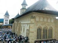 Mănăstirea Putna a fost și anul acesta, de Sfânta Maria Mare, loc de pelerinaj pentru mii de credincioși